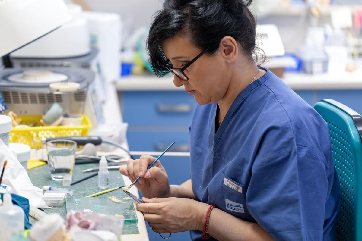 Proces tworzenia implantu zęba w Gdańsku